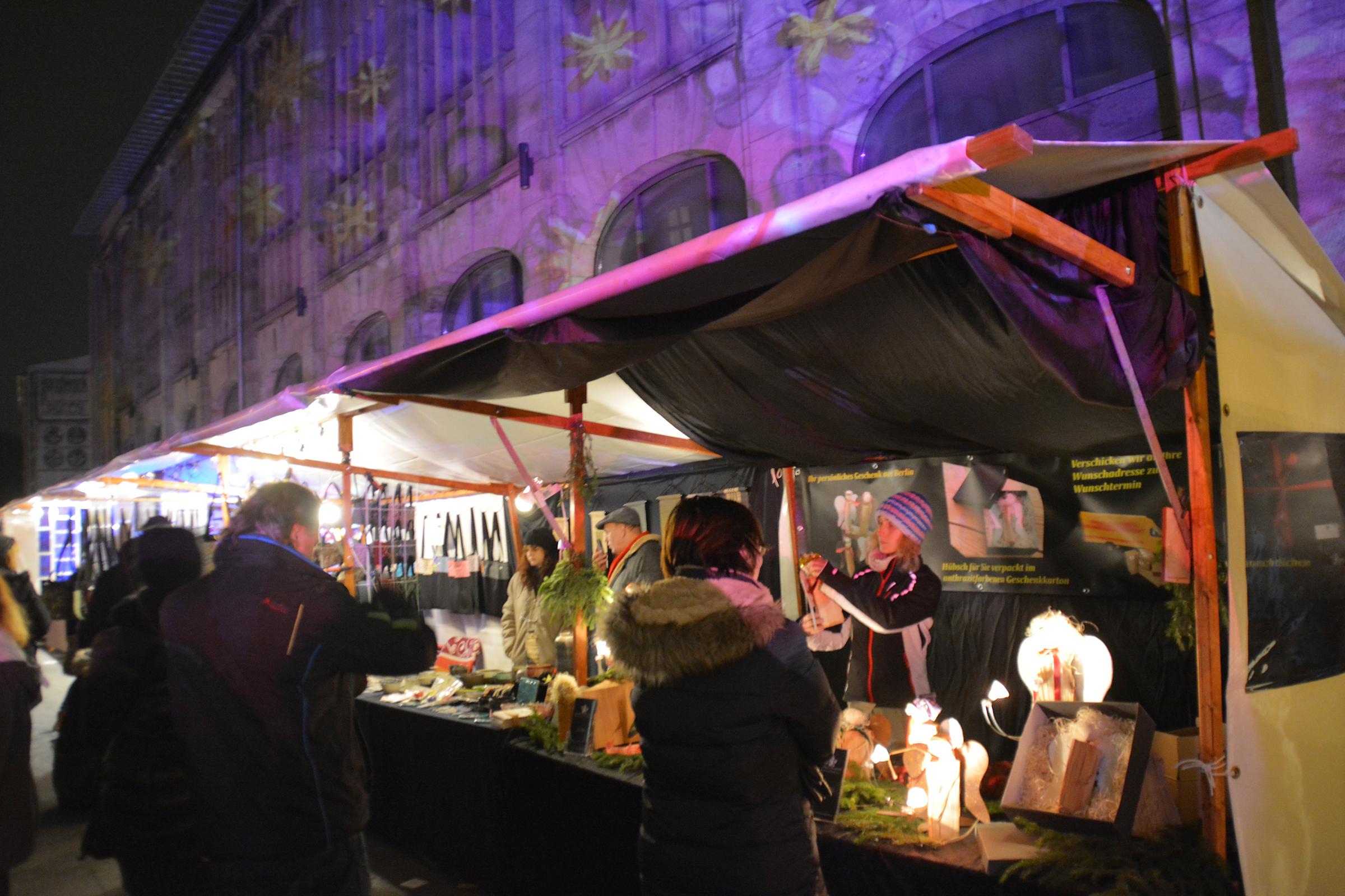 Weihnachtsmarkt in der Sophienstraße in MItte. Foto: Ulrich Horb