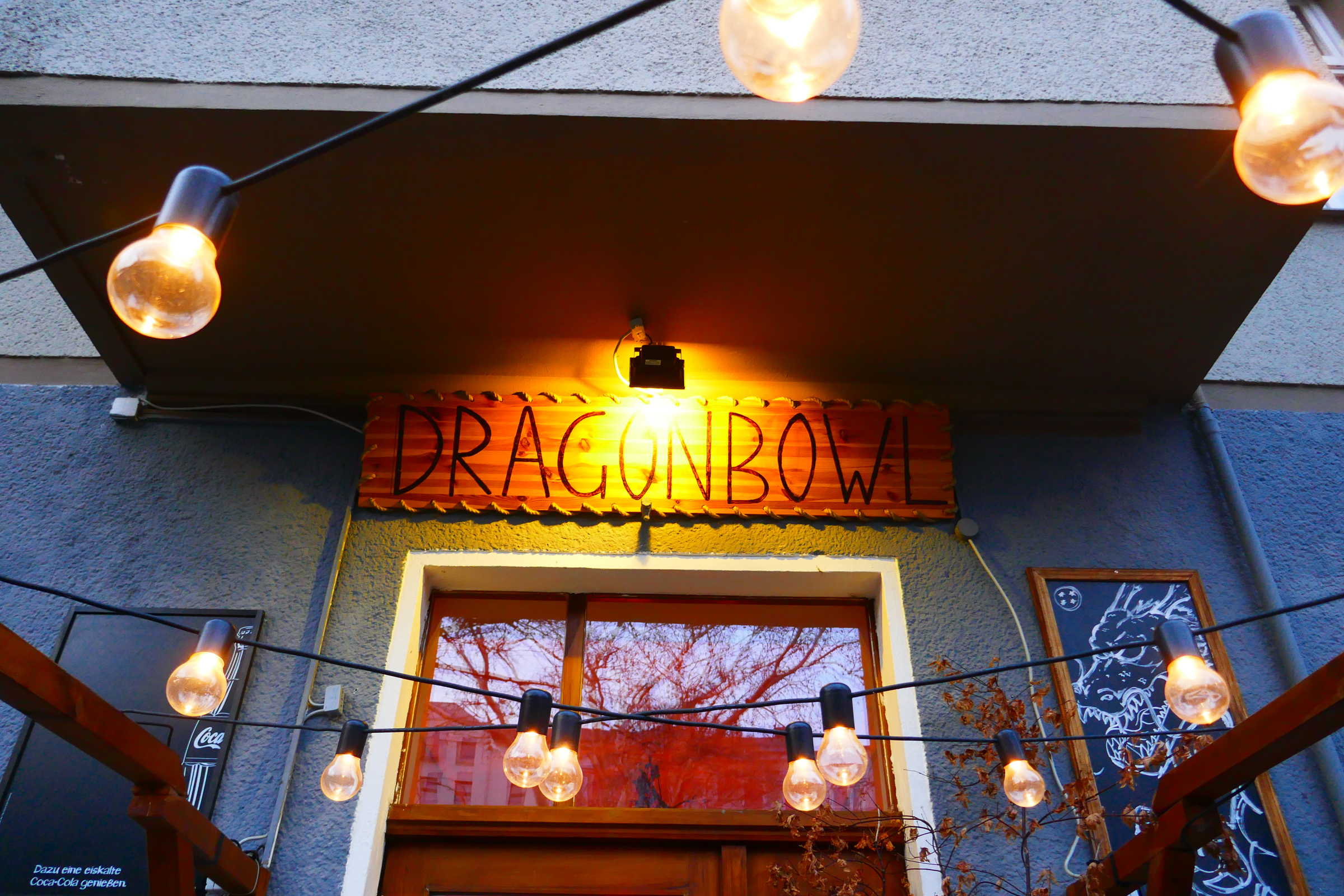 """Kreuzber Lokal """"Dragonbowl"""". Foto: Ulrich Horb"""