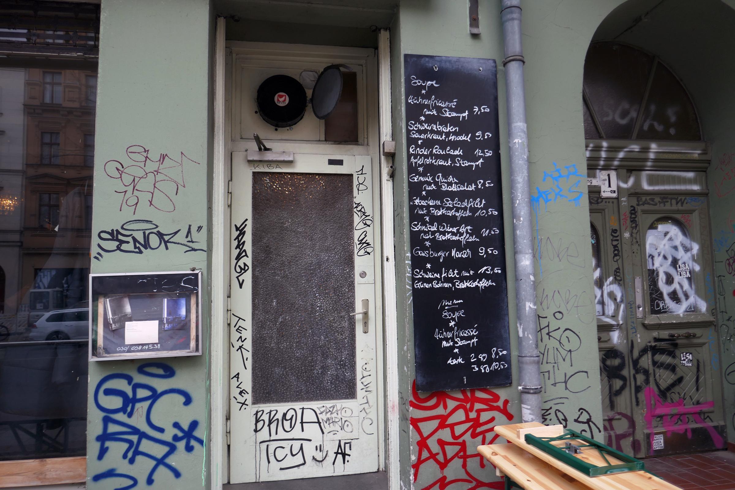 """""""Schlesisch blau"""", Restaurant in Kreuzberg. Foto: Ulrich Horb"""